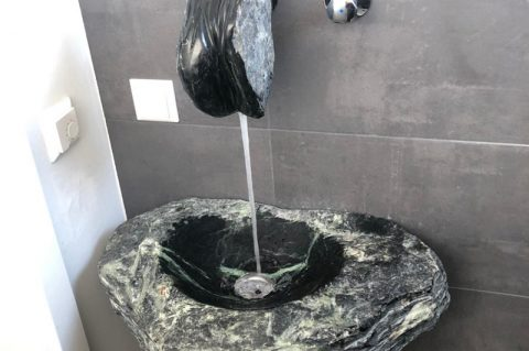 Stein Wasserhähne